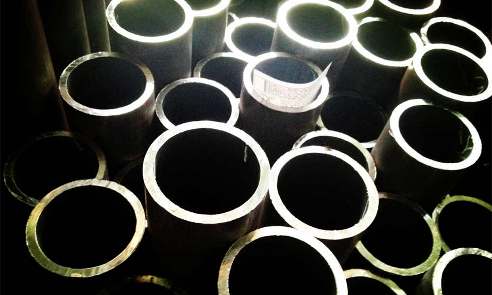 API 5L Seamless Steel Line Pipe in Gr B to X65, for Oil & Gas